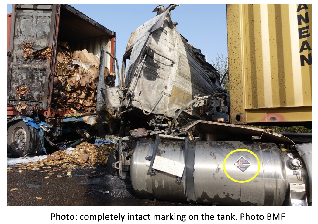 The intact marking on the tank was too small to be noticed form a distance and during a raging fire.