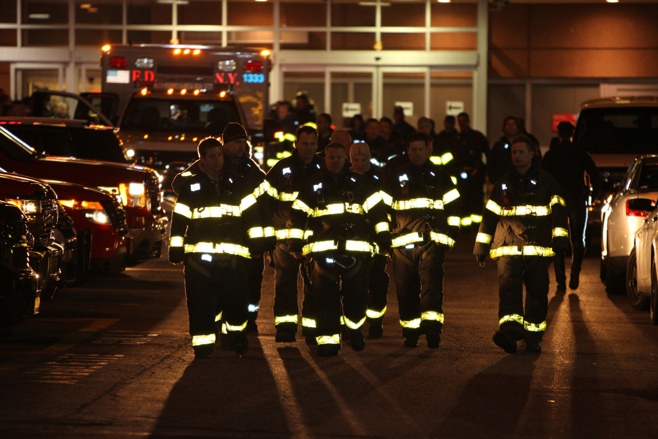 Procession in Ny York for fallen firefighter Steven Pollard. Photo: Robert Mecea.