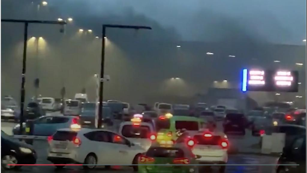 The burning parkade at Stavanger Airport. Photo by: Twitter: @stormy_chan93